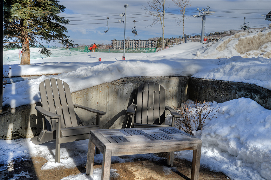 outdoor seating area of a steamboat springs condo rental