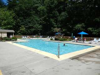 Sapphire Valley Amenities: Outdoor Pool & Kiddie Pool