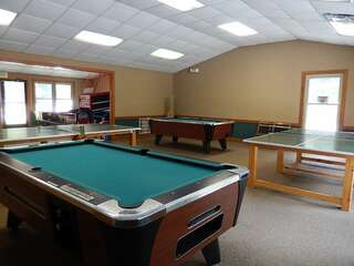 Sapphire Valley Amenities: Pool Tables & Ping Pong Tables