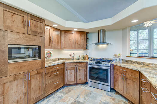 Fully Equipped Kitchen with Plenty of Room for Meal Prep and Entertaining