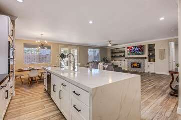 The fully equipped kitchen features stunning stainless steel appliances and is fully stocked with anything you may need to cook your homemade meals.