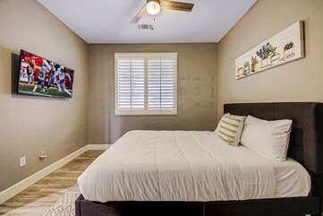 Relax in bedroom 2 while you catch up on your favorite show on the 42-inch Samsung Smart television. Conveniently located across the hallway is the guest bathroom.