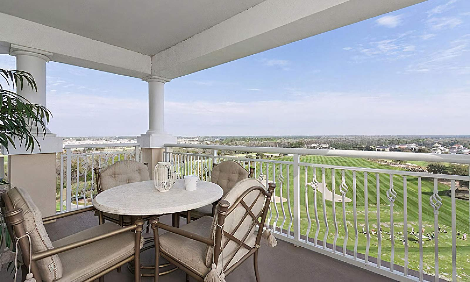 [amenities:Balcony-with-View:1] Balcony with View
