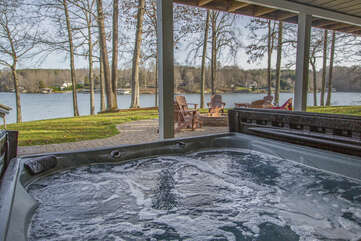 Hot Tub Overlooking the Lake