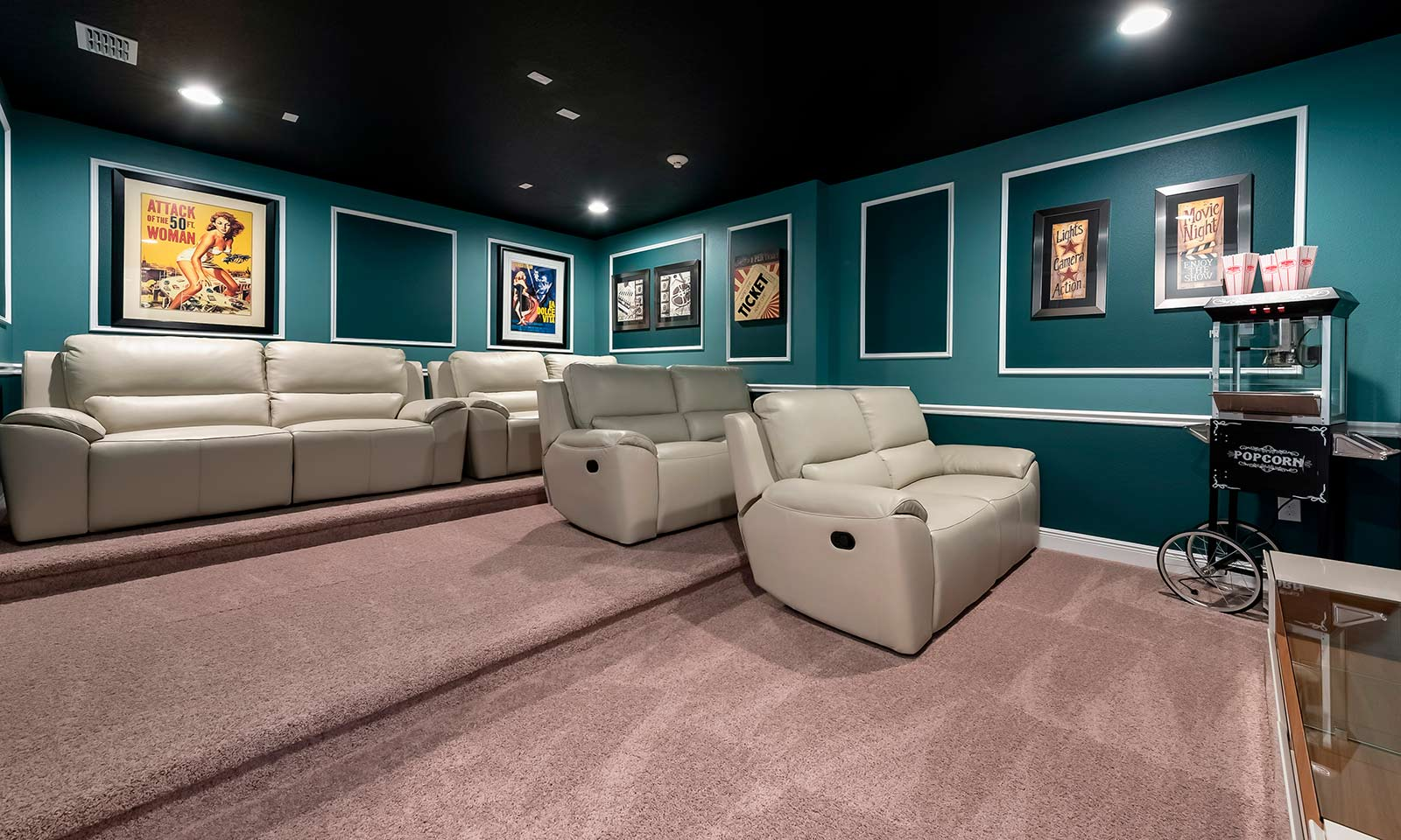 [amenities:theater-room:2] Theater Room