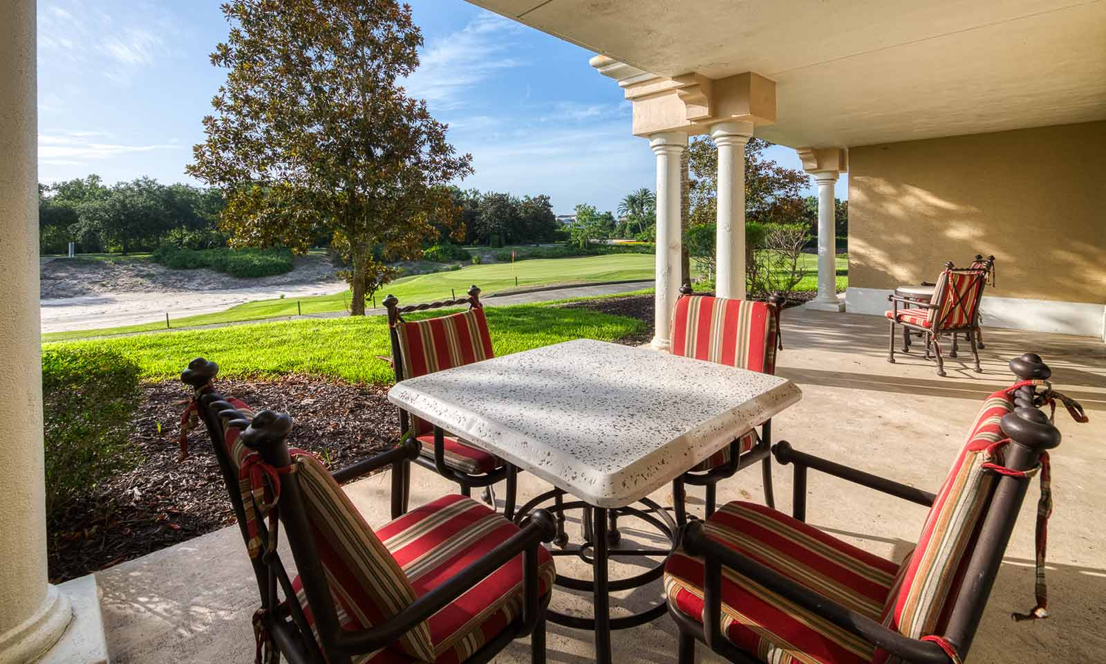 [amenities:Patio-With-View:1] Patio with View