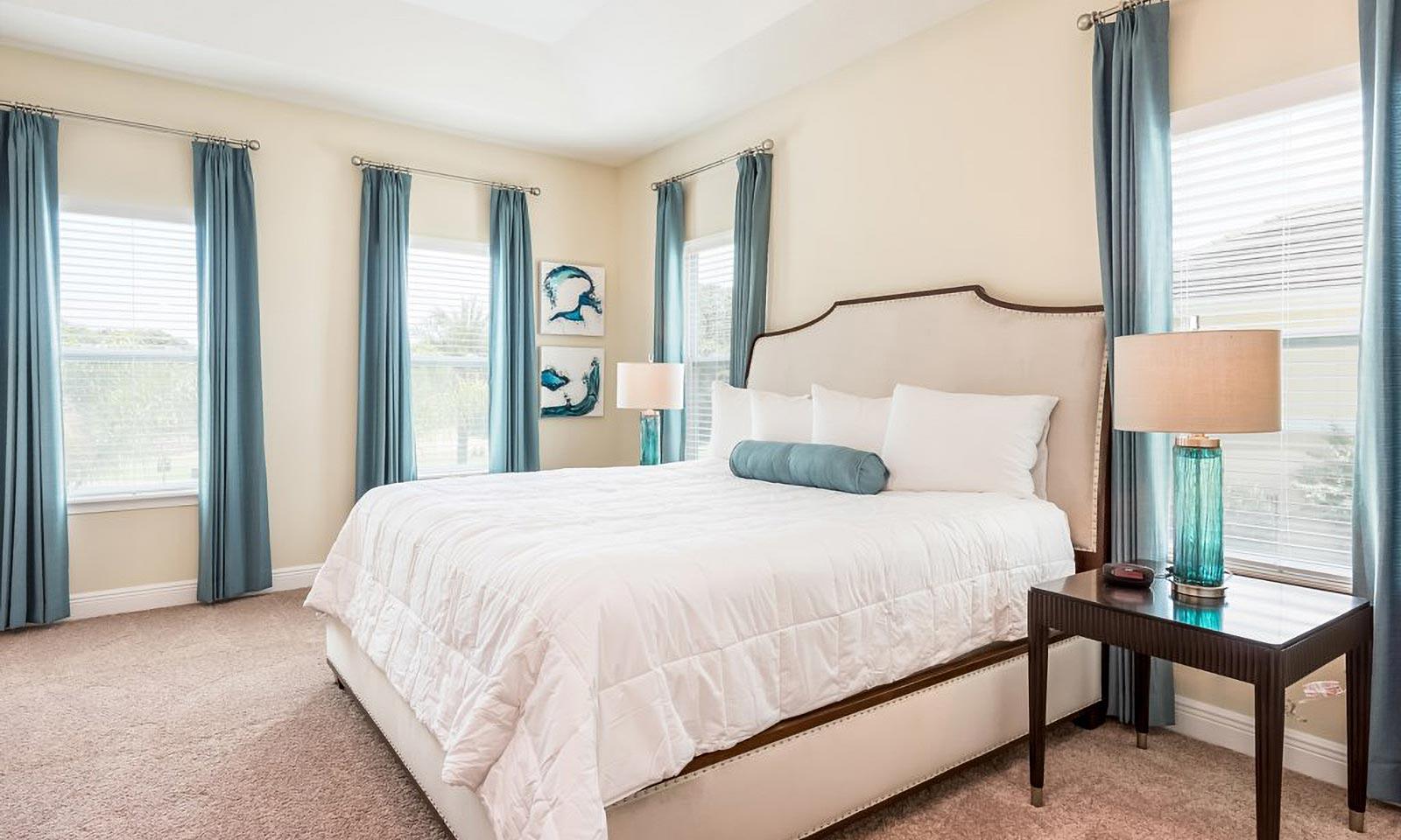 [amenities:Master-Beddroom:2] Master Bedroom