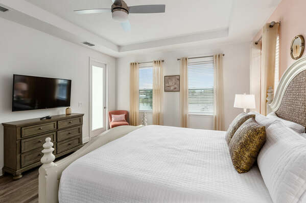 Lounge in the king-size bed with a TV and large ensuite bathroom