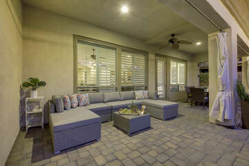 Keep and eye on the kids while they enjoy the pool and you enjoy some adult time on the comfortable outdoor patio couch.