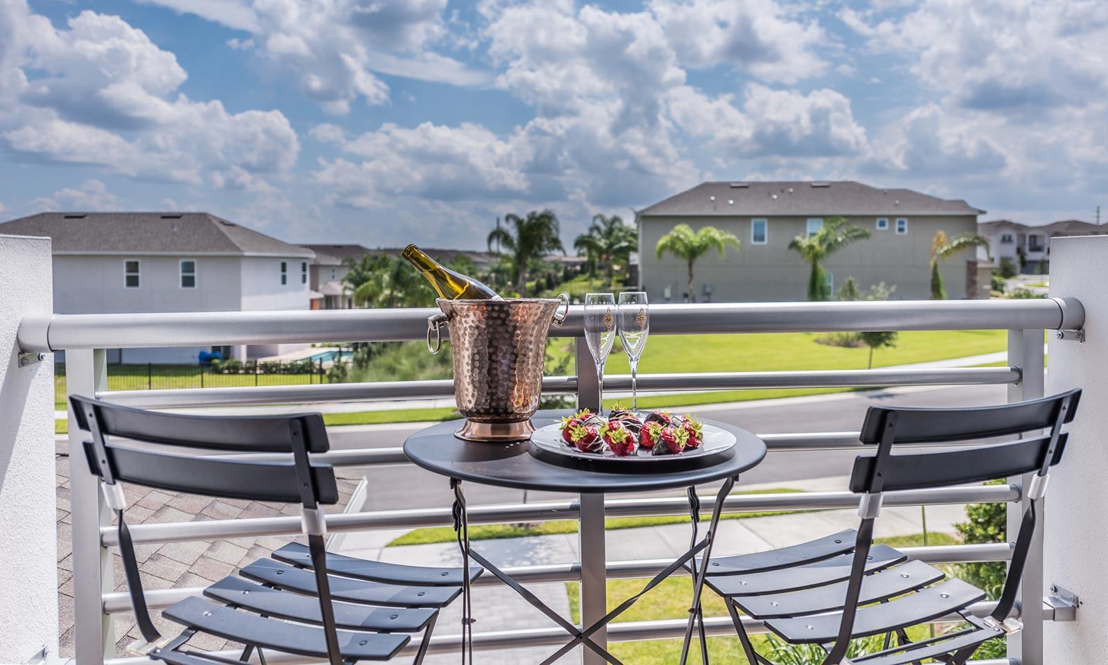 [amenities:balcony:3] Balcony