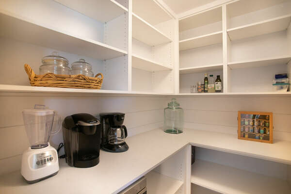 Spacious Pantry to Hold Any Food You Purchase for Your Stay