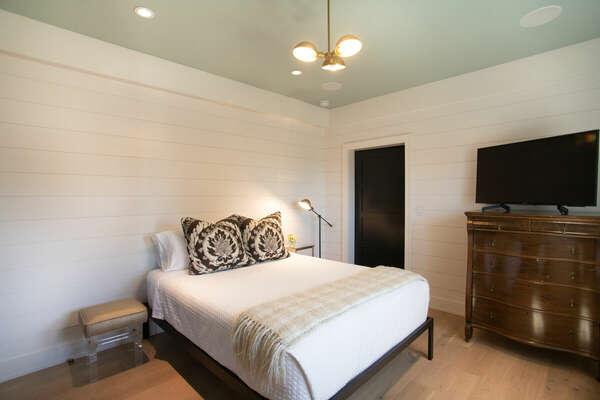 First Floor Master Bedroom in our La Jolla Rental
