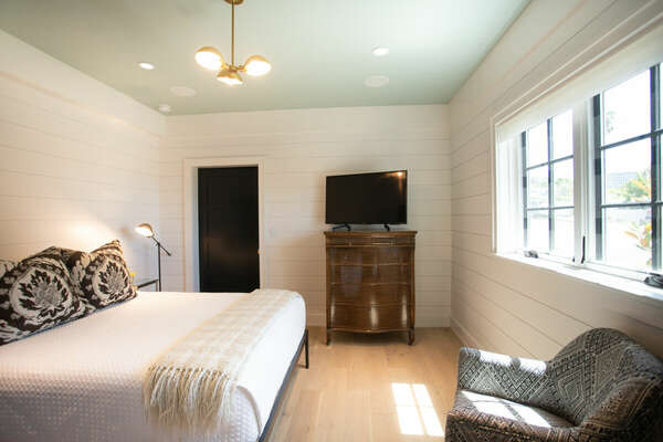 Private Bedroom with Queen Bed in our La Jolla Rental