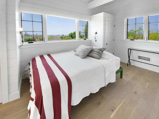 Loft Bedroom, Queen - Second Floor