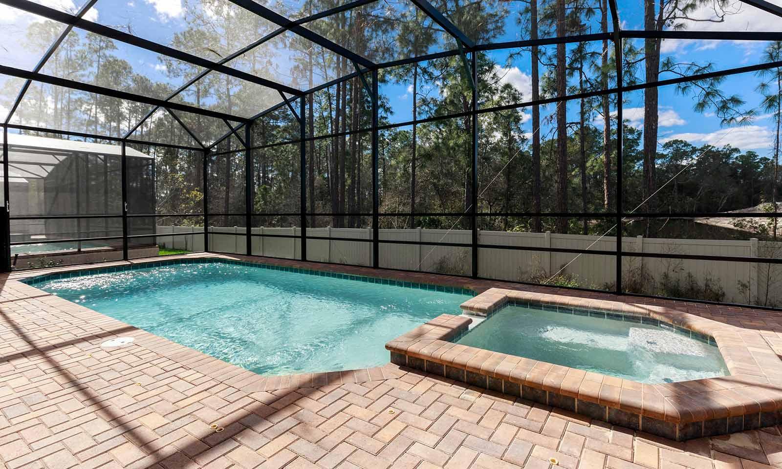 [amenities:screened-in-pool:3] Screened In Pool