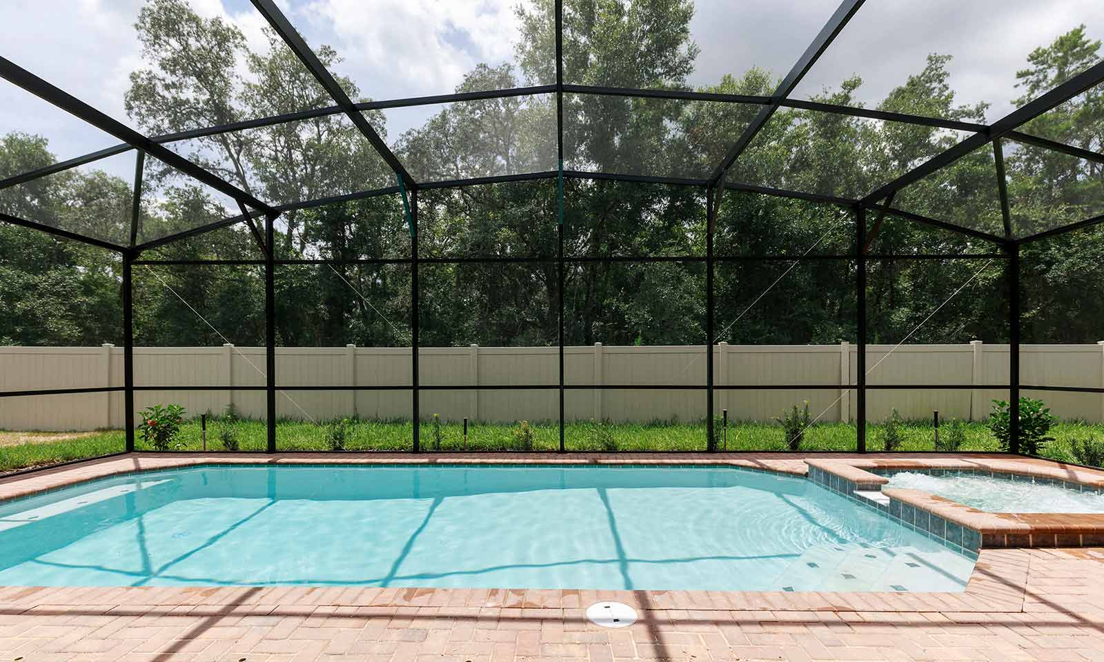 [amenities:screened-in-pool:3] Screened In Pool