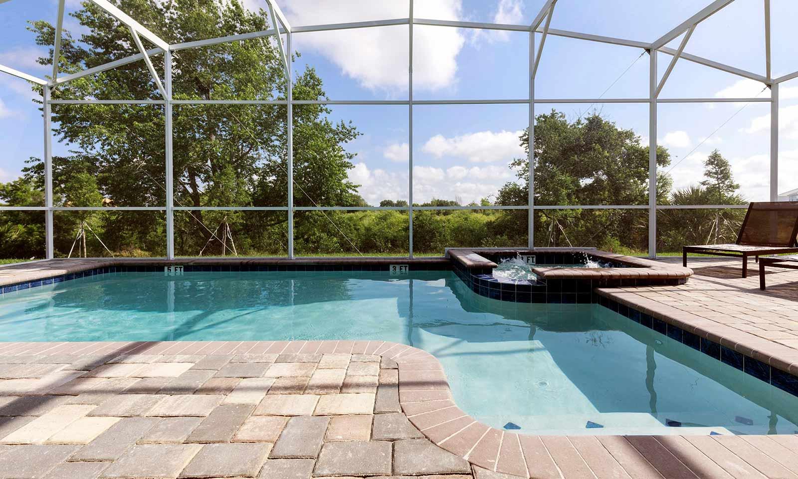 [amenities:screened-in-pool:2] Screened In Pool