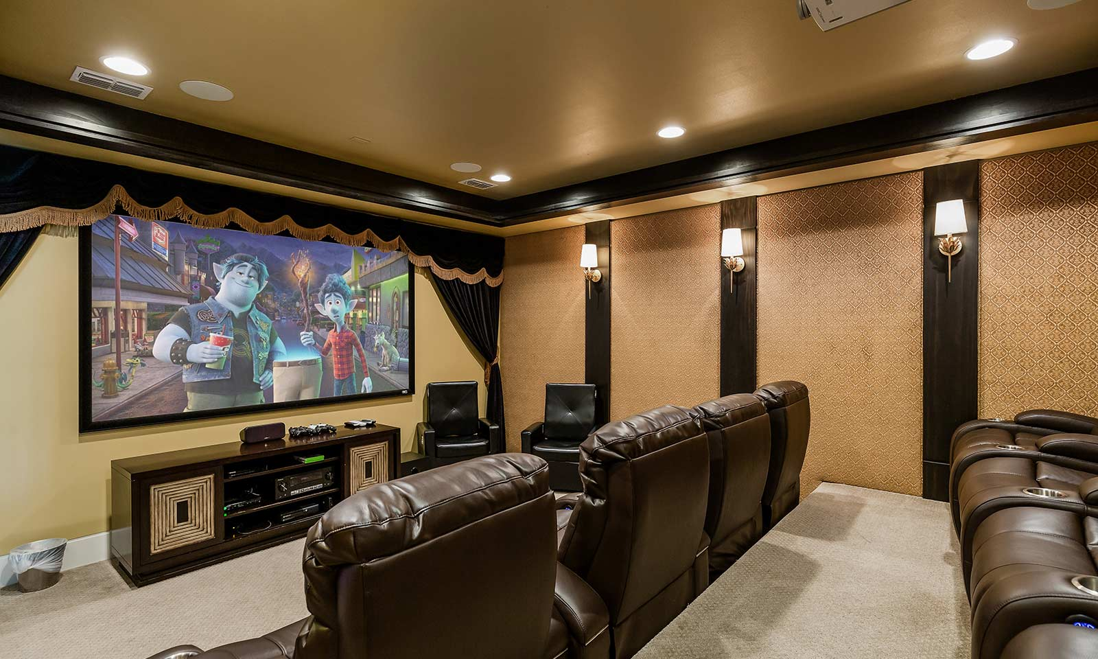 [amenities:Theater-Room:1] Theater Room