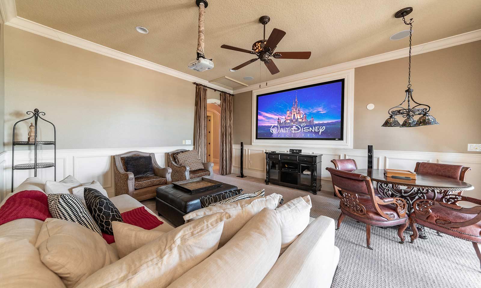 [amenities:TV-Room:1] TV Room