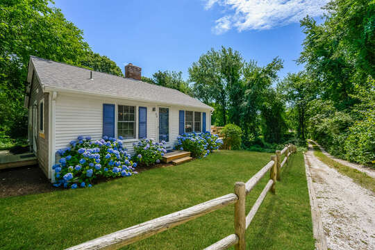 Welcome to Azure Cottage- 80 Lienau Dr Chatham Ma - Cape Cod- New England Vacation Rentals