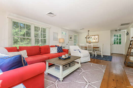 Living room and dining area with plenty of seating 80 Lienau Dr Chatham Ma - Cape Cod- New England Vacation Rentals