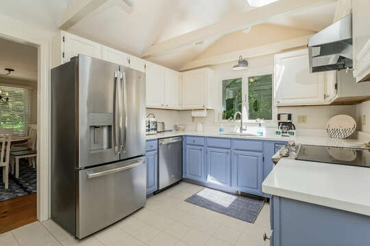 Kitchen with stainless appliances Refrigerator, dishwasher and stove - 80 Lienau Dr Chatham Ma - Cape Cod- New England Vacation Rentals