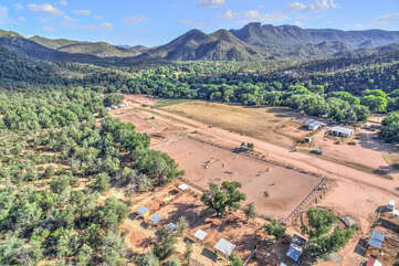 Our property is a one minute walk to a 30 acre professional riding facility with events, arenas, instruction and clinics