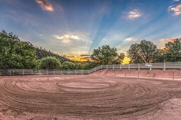 The mountain views and sunsets will WOW you and your horse from every vantage point