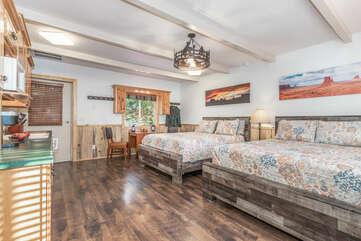 Guesthouse sleeps 4 in 2 brand new queen beds.