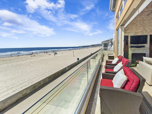 Indoor/Outdoor Oceanfront Living