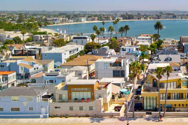 Single-Family Luxury Beach Home