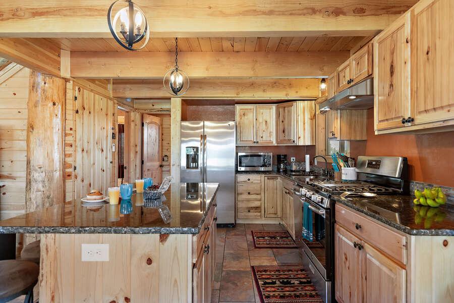 Shotgun Sunset ~ spacious kitchen