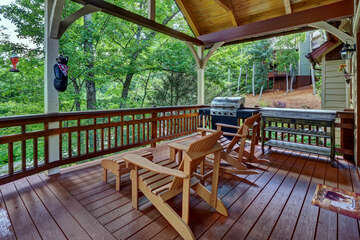 Covered Deck with Gas Grill