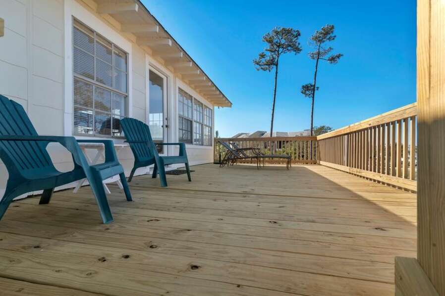 Back Deck with Lounge Seating
