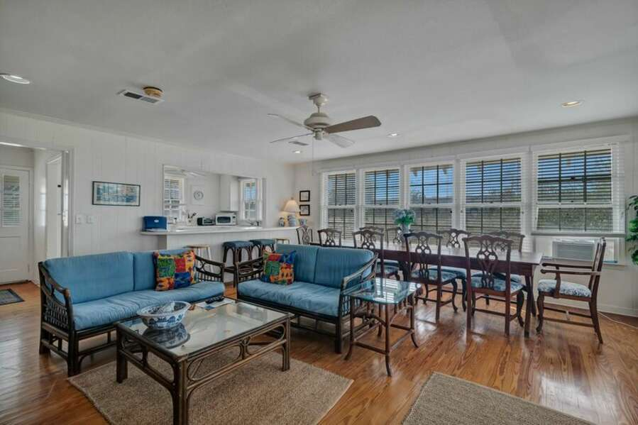 Large Open Plan Living Room, Dining Room with Dining Table seating for 10 and Extra Seating at the Breakfast Bar