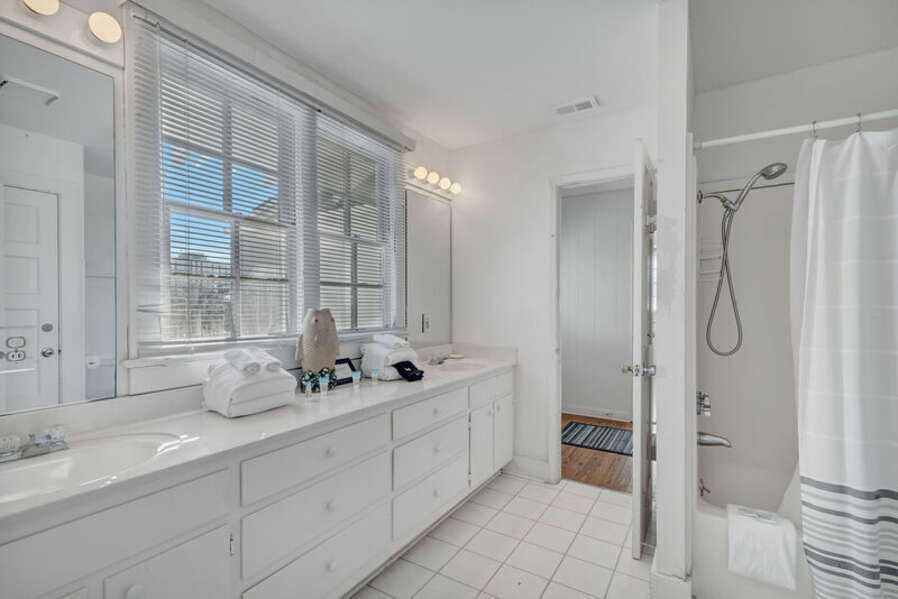Full Size Master EnSuite Bathroom with Double Sink Vanity