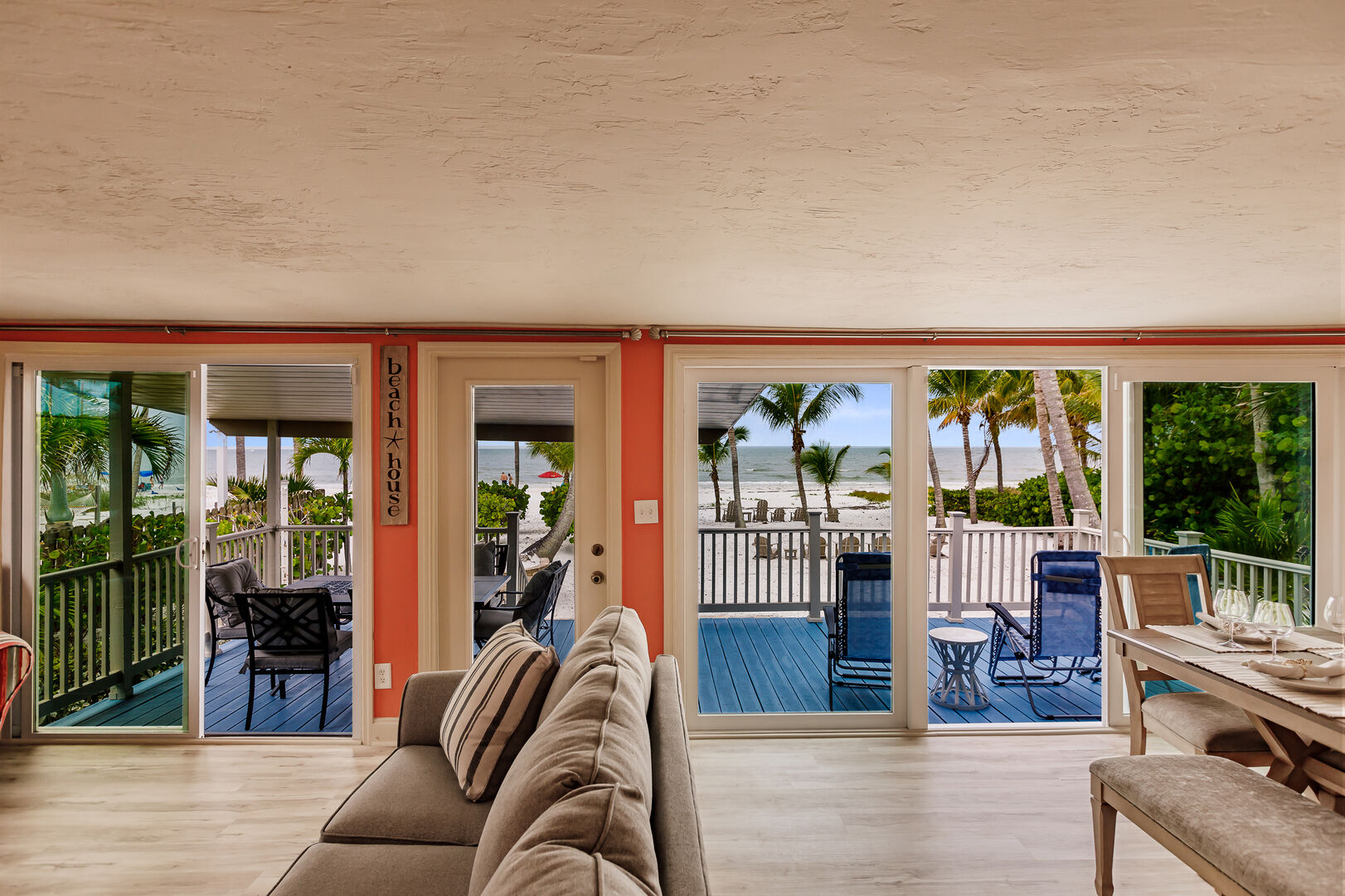Spacious Livingroom and Back Patio with Seating Beach Paradise