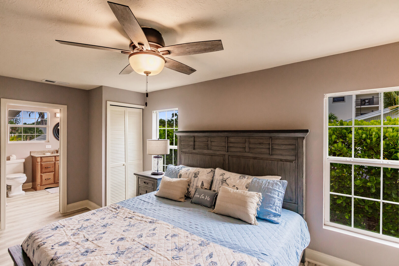 Bedroom with Private Bathroom Private Beach House Rental in Florida