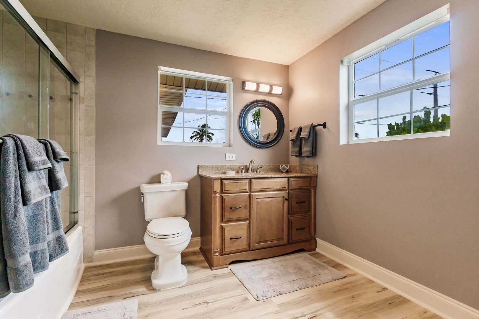 Private Bathroom in Beach Paradise Rental