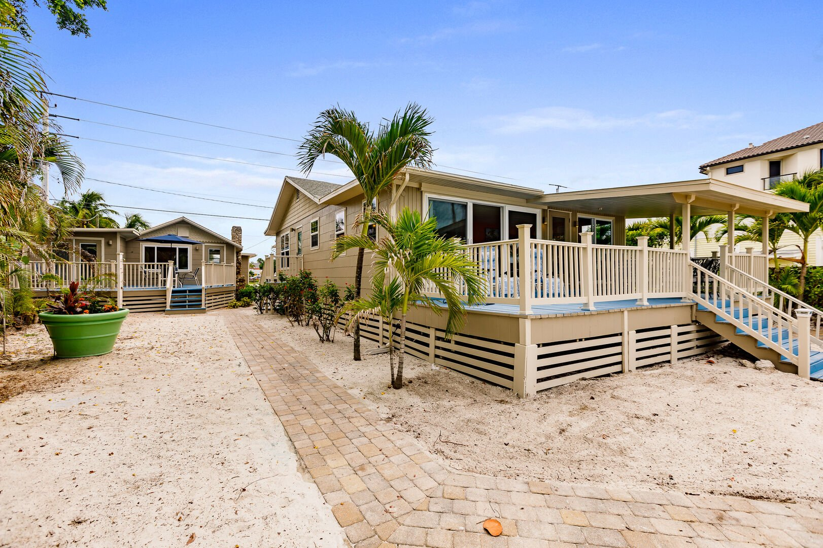 Beach Paradise Rental Exterior