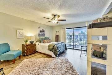 Queen bedroom with full/full bunks