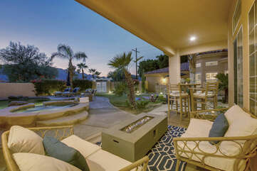 Located in the front courtyard you will find a sophisticated seating area with a fire feature table, take this time to catch up with old friends.