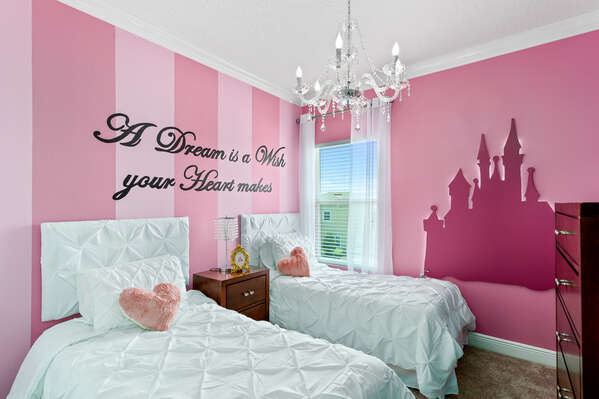 The little ones will become full of excitement when they see the castle in their bedroom!