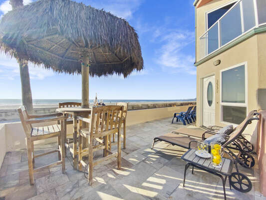 Outdoor Dining and Lounge Chairs