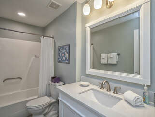 Updated master bath with tub/shower