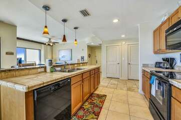 Kitchen with tiled countertop