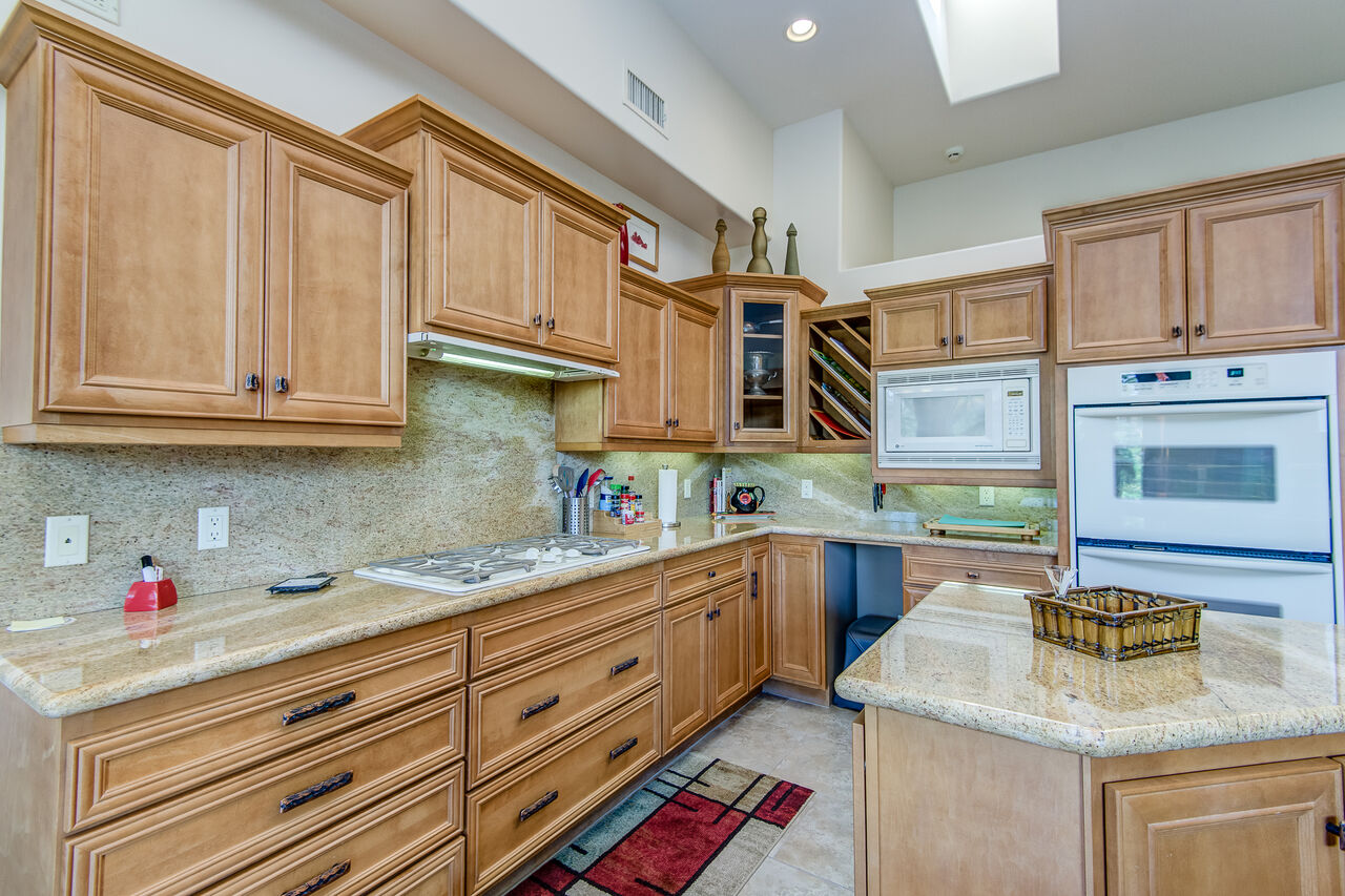 Fully Equipped Kitchen with Center Island and GE 5-Burner Gas Stovetop