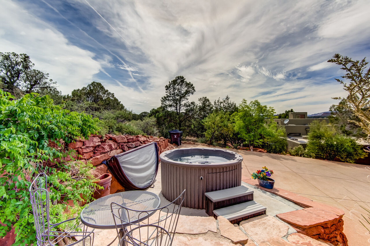 6-Person Private Hot Tub with Red Rock Views