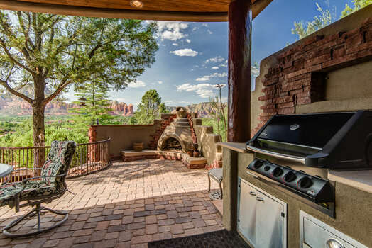 Built-in Natural Gas BBQ and Beehive Fireplace