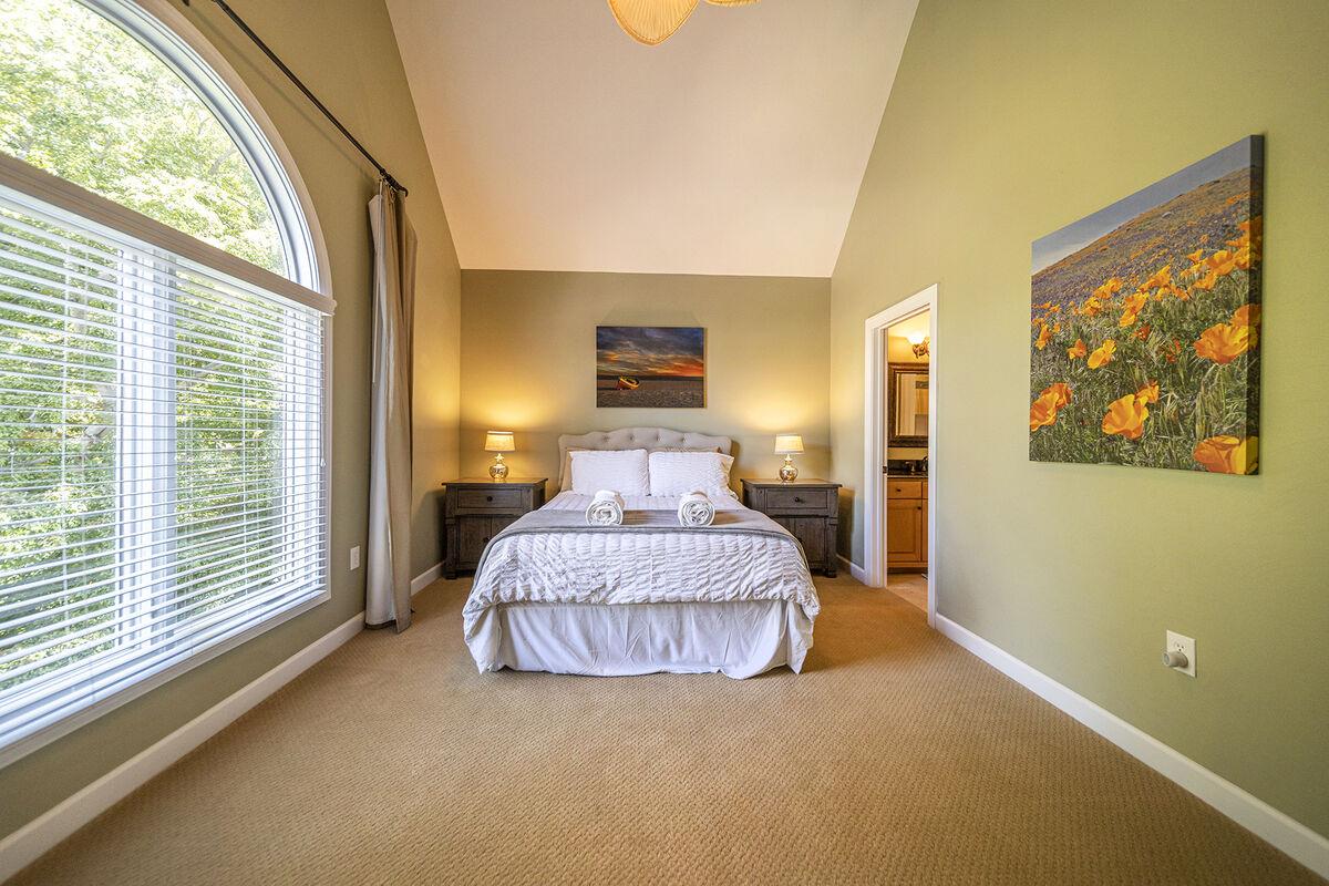 Large Bedroom , Upper Level